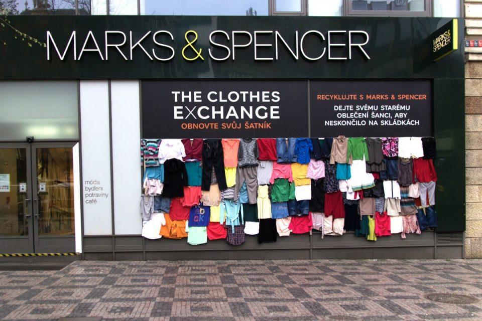Marks & Spencer recykluje oblečení za slevy