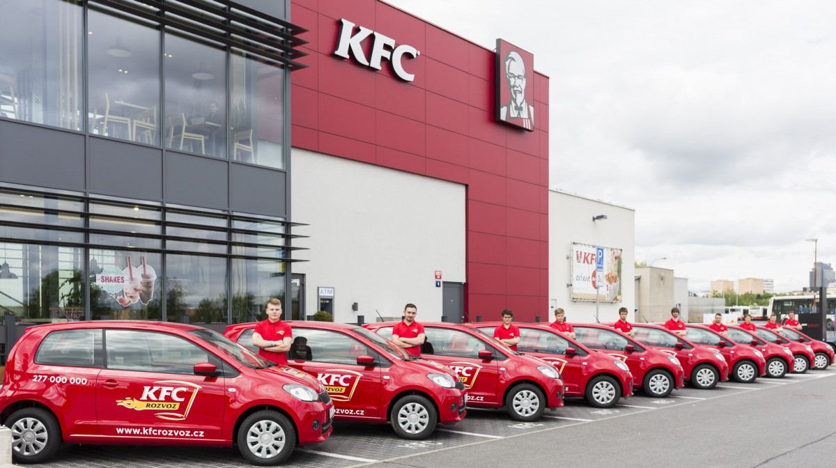 KFC začíná rozvážet po Praze