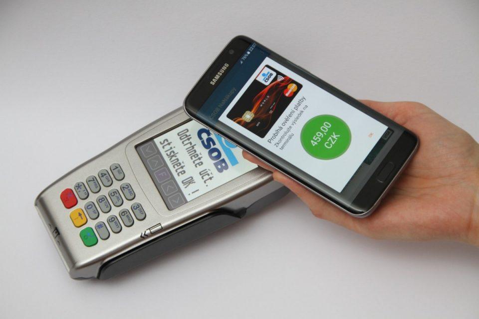 ČSOB umožní platby přes NFC