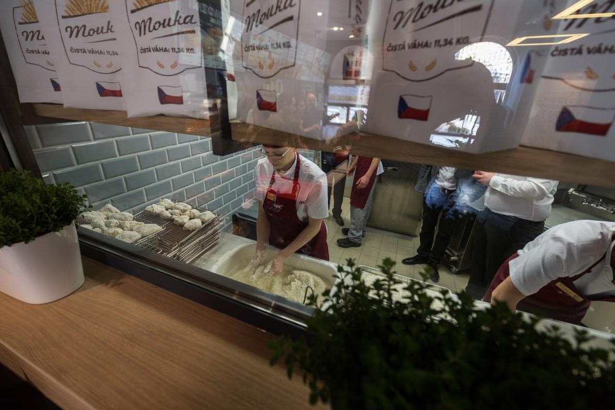 Součástí nového konceptu je i prvek otevřené a transparentní kuchyně