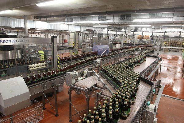 Staropramen prodal v Česku míň piva, kvůli regulacím státu
