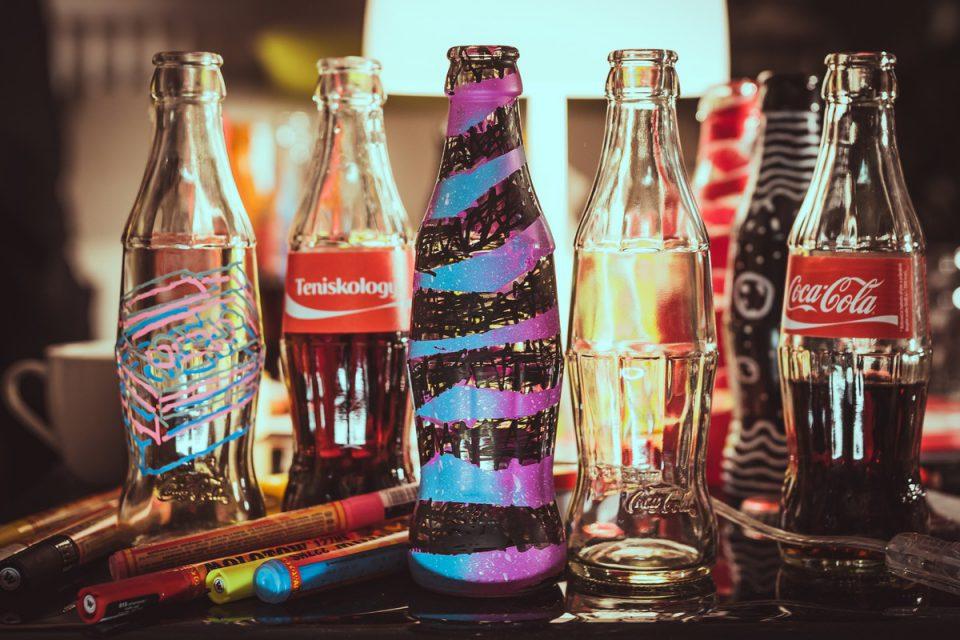 V září se ve slevových letácích nejvíc objevovaly Coca-Cola a Madeta
