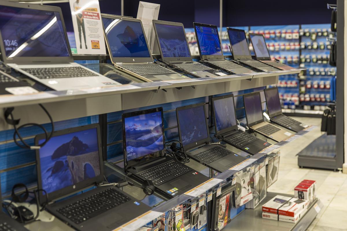 Interiér nově otevřené prodejny Datartu v Jihlavě