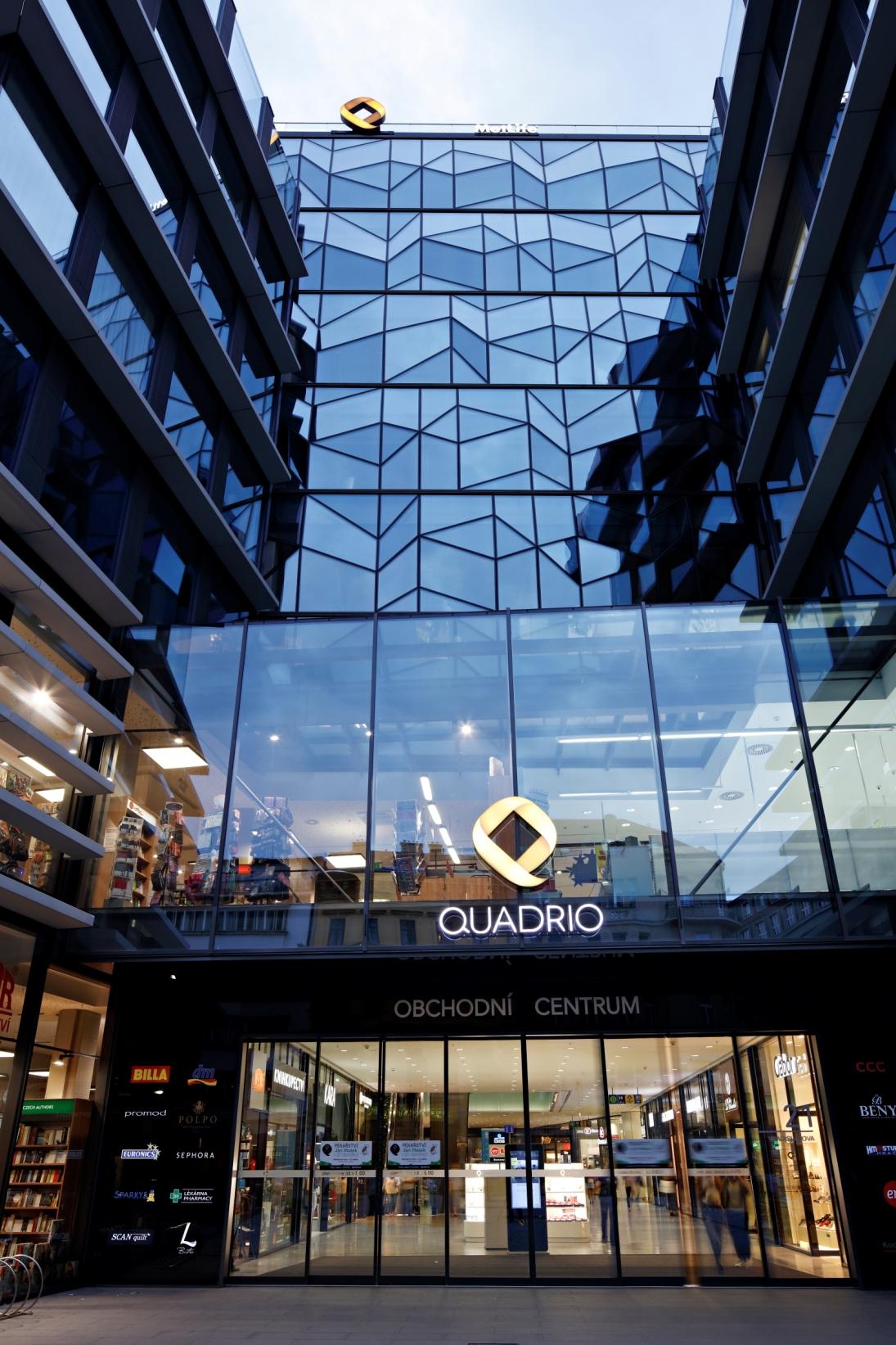 OC Quadrio rozšířilo bankovní služby o Českou spořitelnu