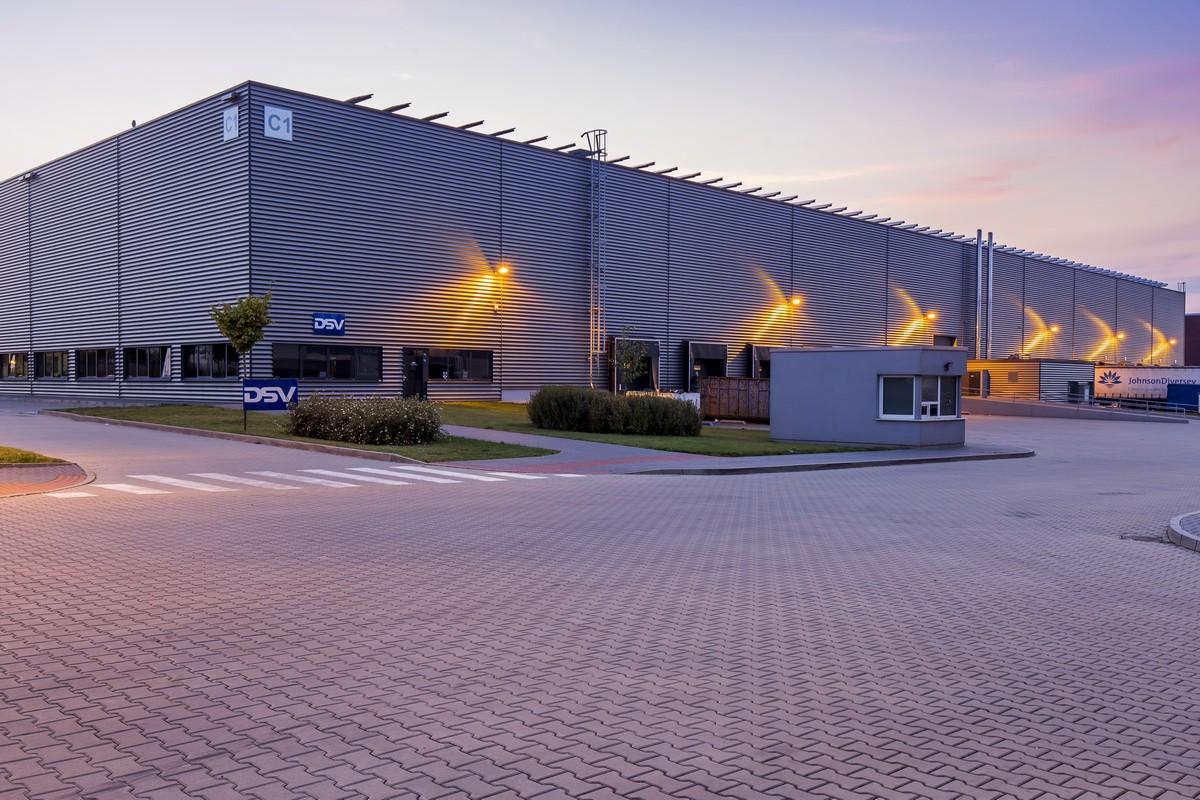 Jedna z budov logistické parku společnosti P3 v Horních Počernicích