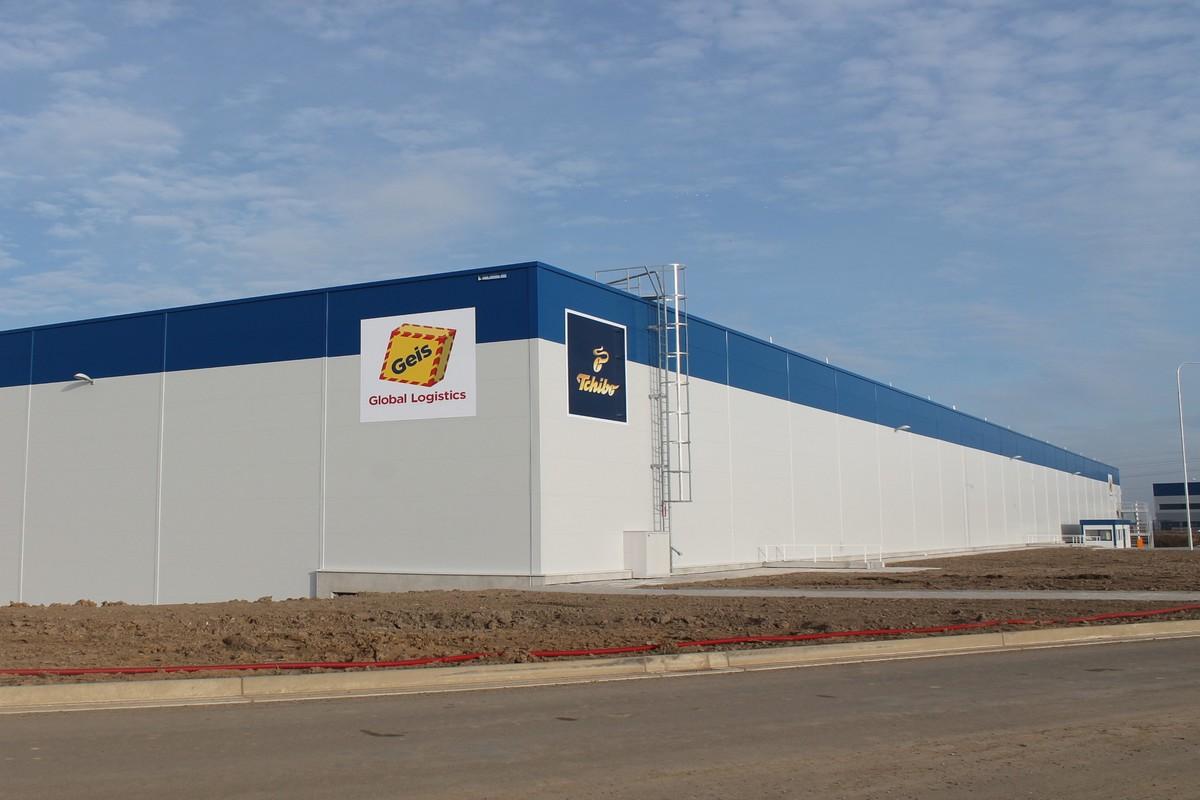 Nové distribuční centruNové distribuční centrum Tchiba v Chebum Tchiba v Chebu