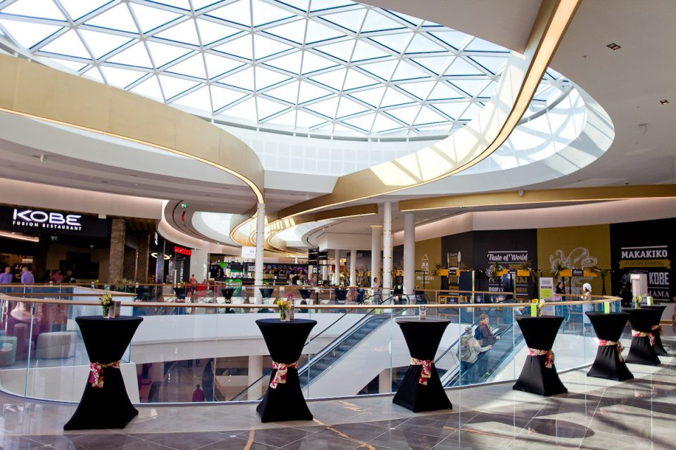 Část Centra Chodov otvírá v novém: přibývá dvacet jídelních a tři módní značky