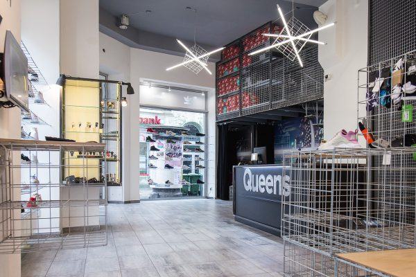 Streetwearová značka Queens má v Ostravě novou prodejnu, po Woodies