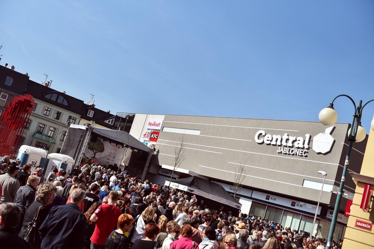 Z otevření Central Jablonec 31. března