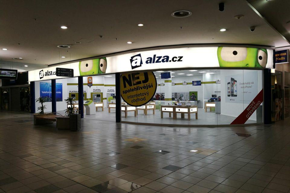 Alza.cz otevřela v Ostravě třetí největší prodejnu, 80 % její plochy tvoří sklad