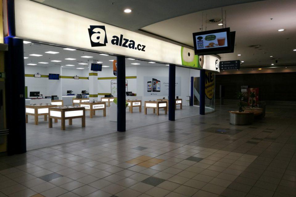 Jak Češi nakupují elektro: nejlevnější hledají u TSBohemia, nejvíc zboží u Alzy