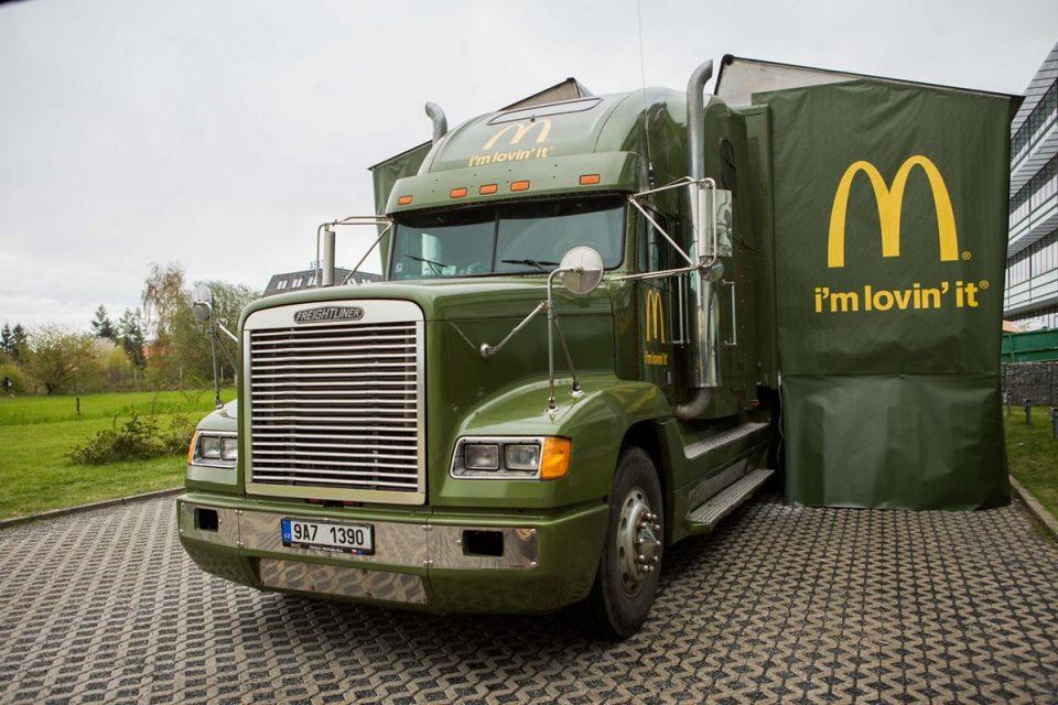 McDonald's jede s truckem podruhé tour Na rovinu, přidal gril
