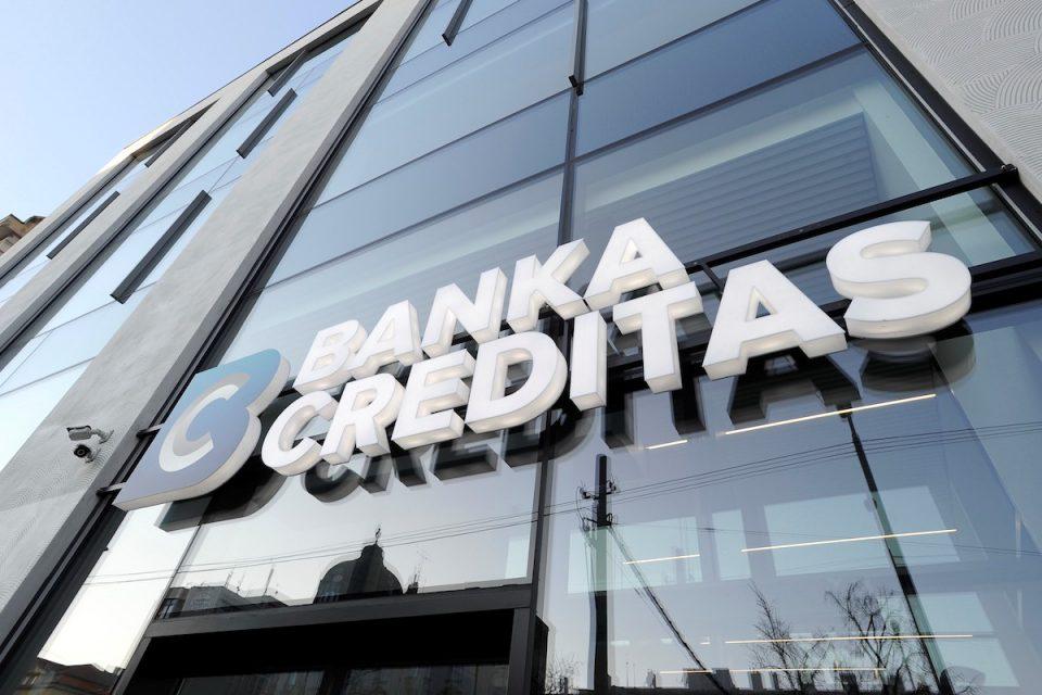 Banky otvírají internetové bankovnictví svých klientů konkurenci