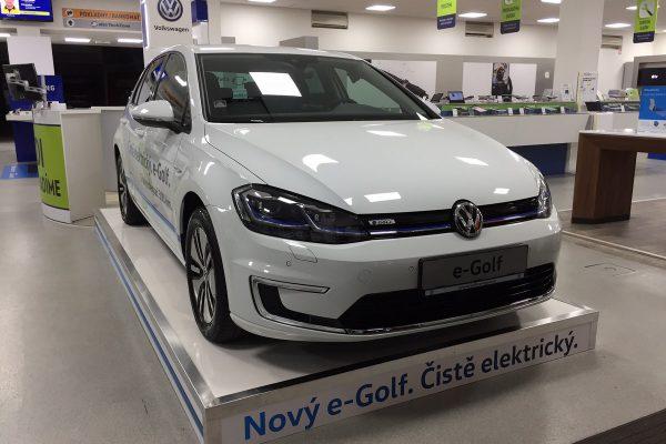 Alza.cz začne prodávat elektromobily, dodávat slibuje do jednoho dne