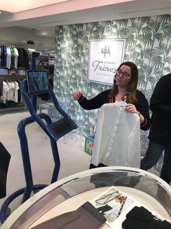 Systém Lisa pomáhá s nákupy v obchodě Barbara Freres