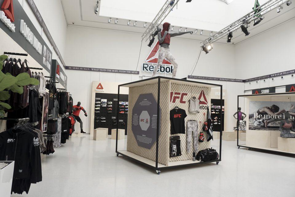 Reebok vytvořil z Galerie Mánes tělocvičnu, síly spojil s A3 Sportem