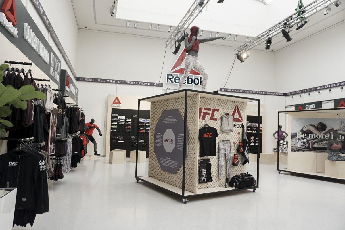 Reebok Experience Store je zároveň prodejna oděvů
