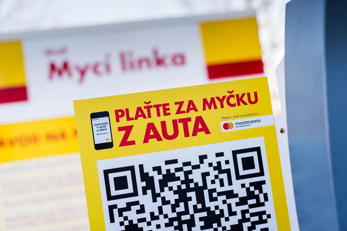 Mastercard a Shell spustili první myčku, kde se dá platit mobilem