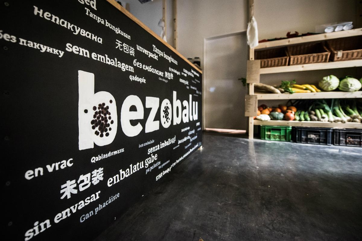 Interiér nové prodejny Bezobalu na Hradčanské