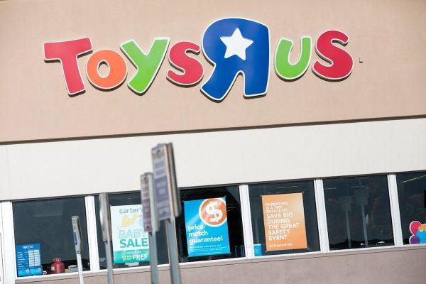 Toys R Us bankrotují. Lidl ve Švédsku razí trvalou udržitelnost