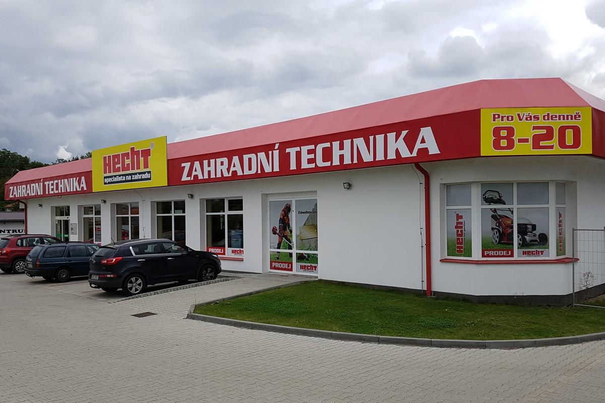 Prodejna Hecht Motors v Roudnici nad Labem. Do stejně podoby budou laděny i nové prodejny