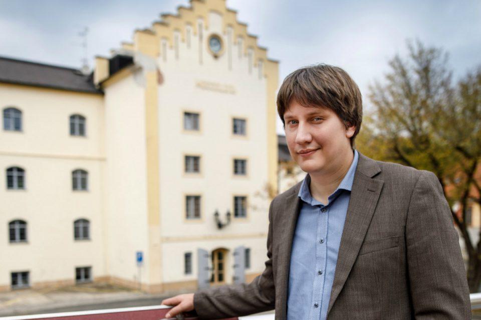 Ředitelem a vrchním sládkem Krušovic je Michal Rouč z Března