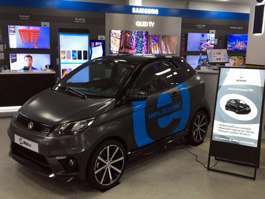 Alza.cz nabízí malé elektromobily pro řidiče od 15 let