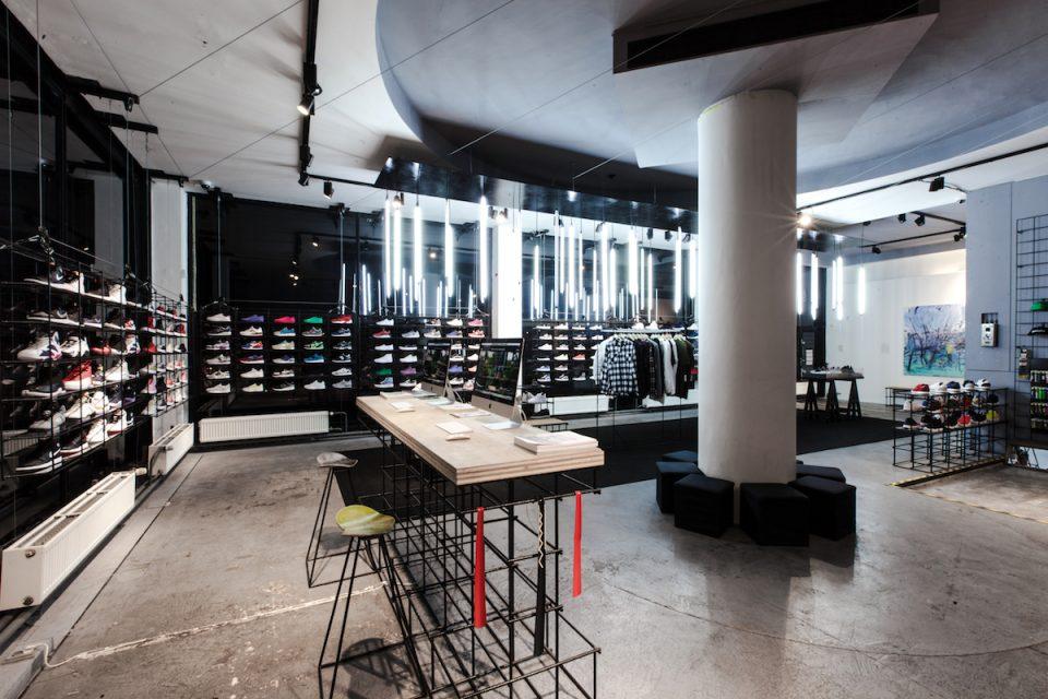 Footshop přesídlí do Vnitroblocku, Queens otevře vlajkovou prodejnu v Jindřišské