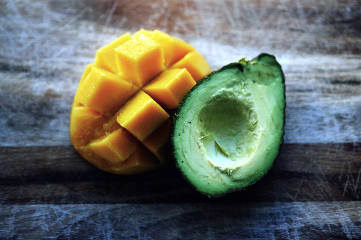 Mango a avokádo patří mezi nejpopulárnějí tropické ovoce v Česku