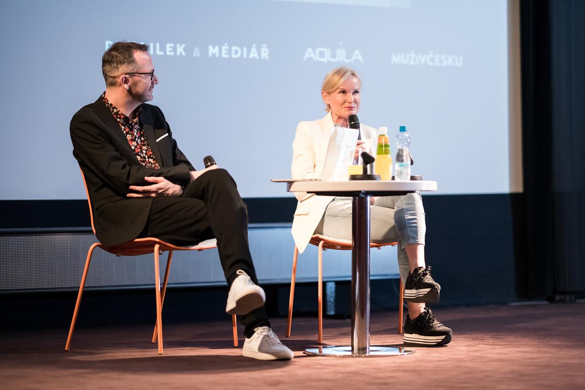 Podnikatelka Lenka Vejvalková, moderuje Ondřej Aust. Foto: Vojta Herout