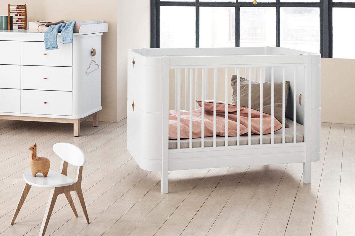 Postýlka značky Oliver Furniture
