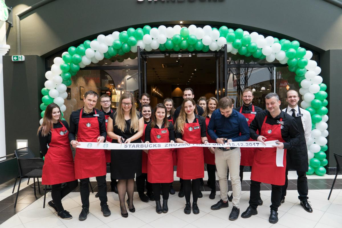 Slavnostní otevření Starbucks ve Freeport Fashion Outlet