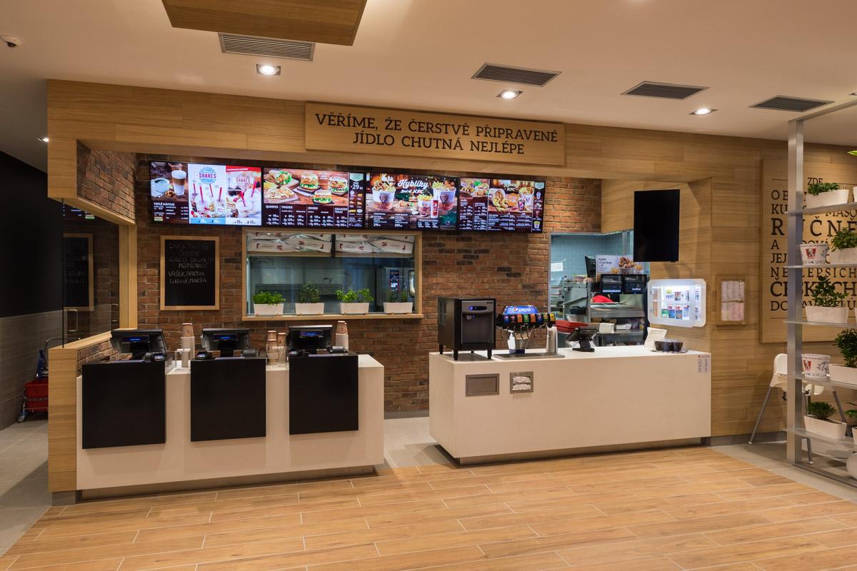 Interiér nové restaurace KFC v Uherském Hradišti