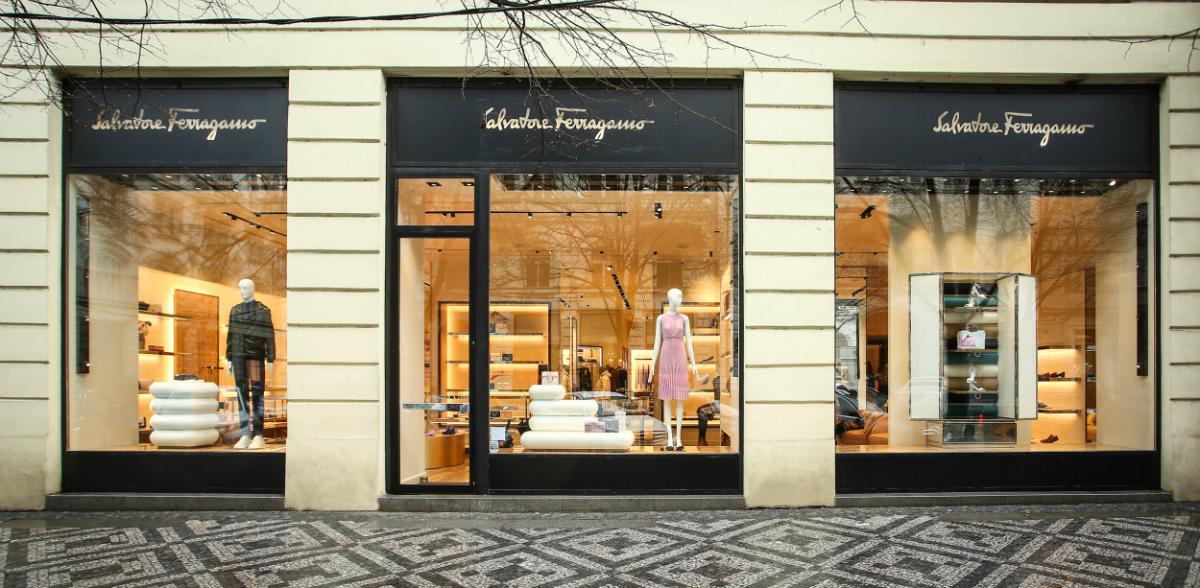 Nově otevřený butik Salvatore Ferragamo v Pařížské ulici
