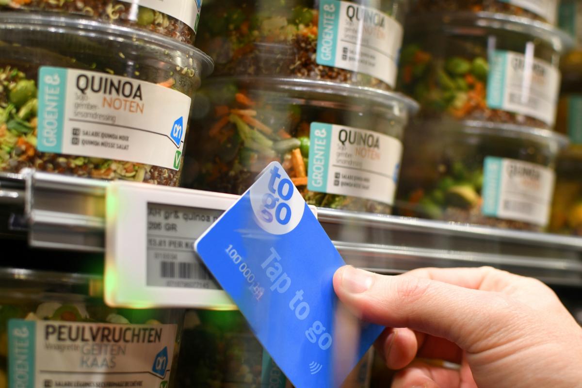 Nový systém rychlého nákupu Tap to go testuje Ahold v Nizozemsku