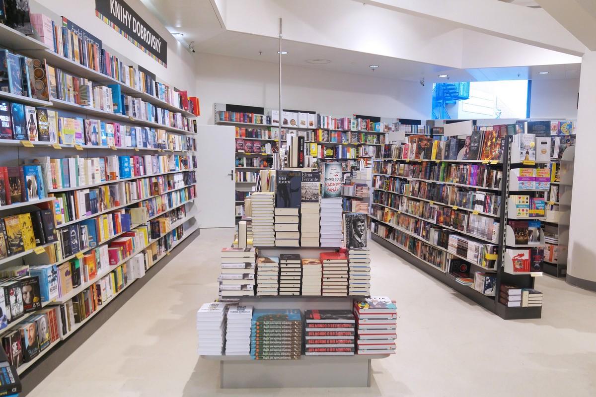 Nová prodejna Knihy Dobrovský v Kotvě