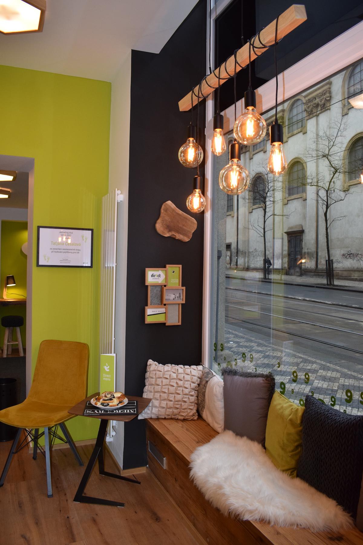 Kavárenská pobočka pojišťovny Direct v Ječné ulici v Praze