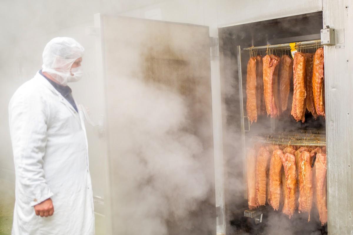 Modletický masozávod je jedním z vůbec největších producentů uzeného masa v Česku