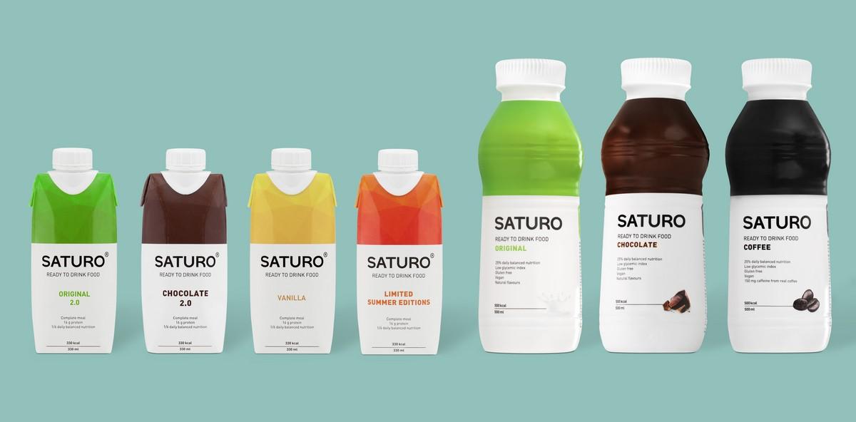 Nápoj Saturo zleva ve 330 ml variantě, větší balení pak v 550 ml variantě