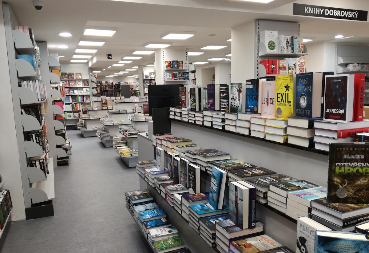 Interiér Knihy Dobrovský v Dejvicích