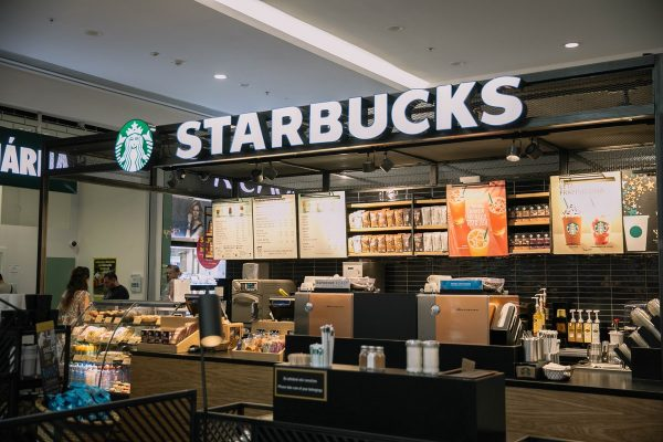 Starbucks jde do dalšího regionu, otevřel první kavárnu v Olomouci