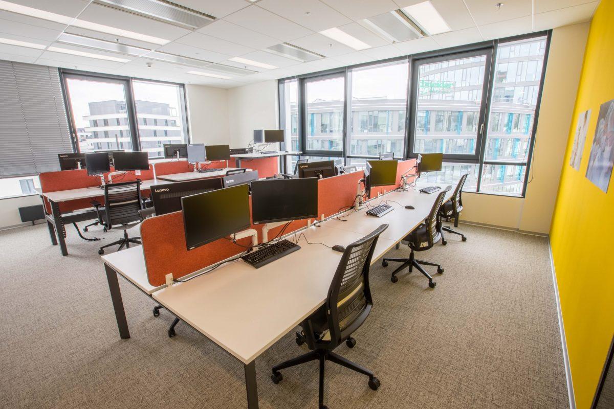 Kancelářské open space prostory