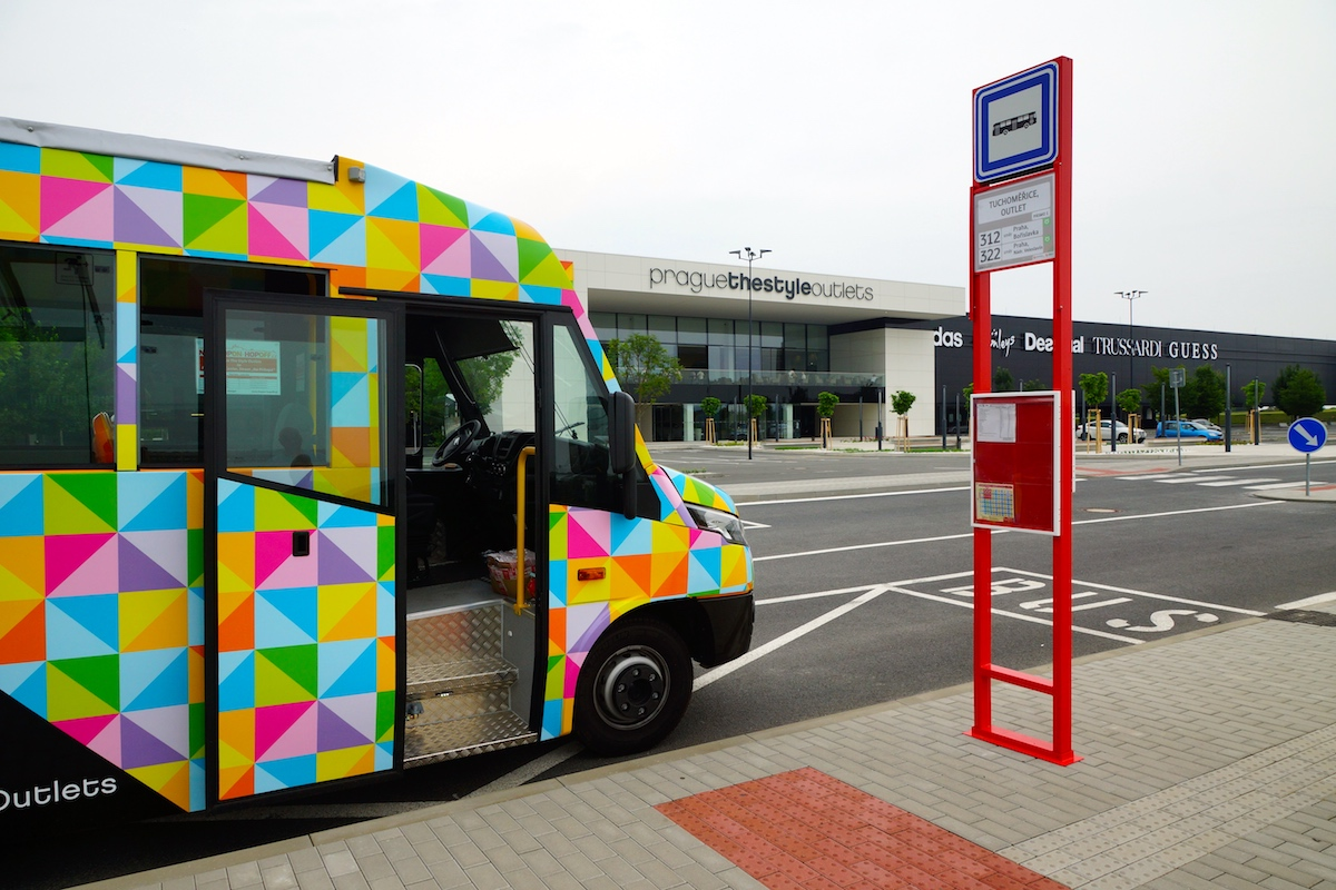 Shuttle bus Prague The Style Outlets