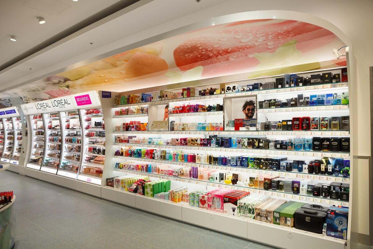 Sekce parfémů je vystavována v novém stylu