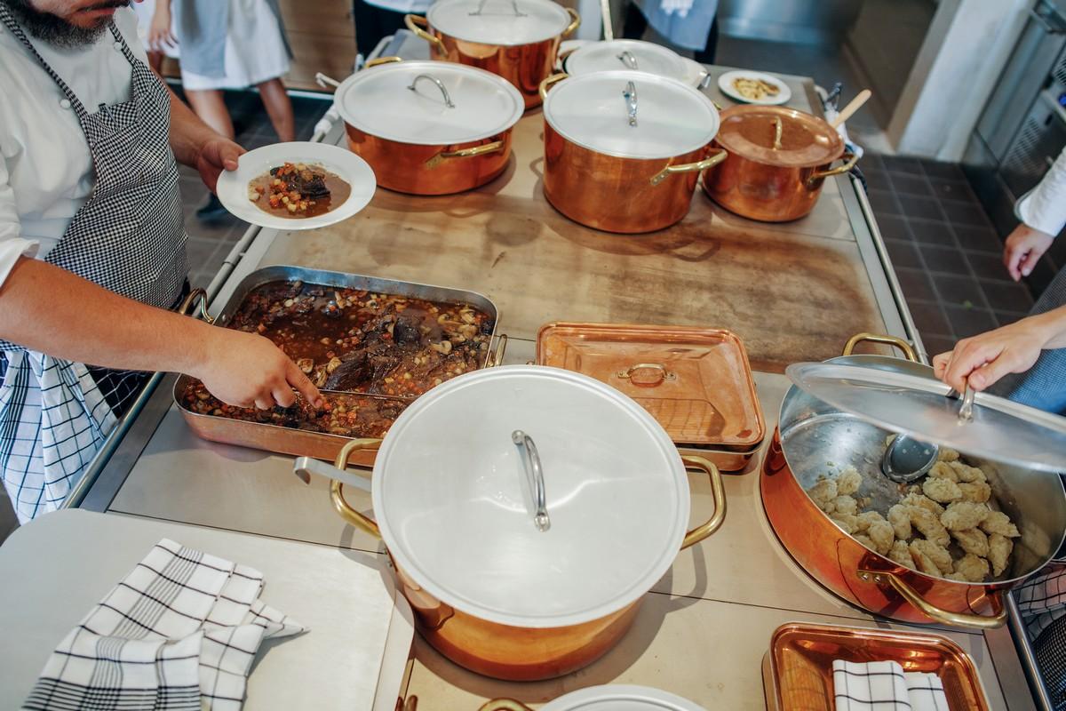 Interiér nové restaurace Kuchyně od Ambiente