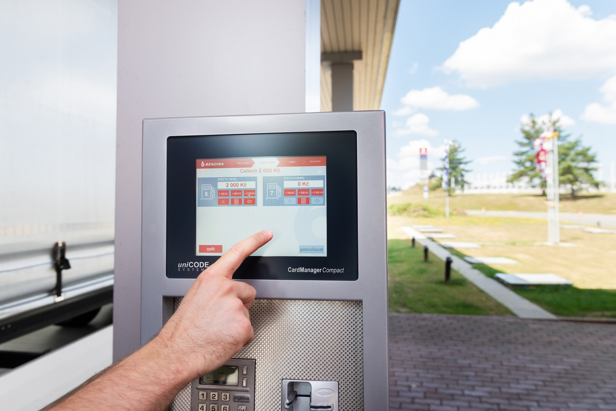 Tankování má usnadnit i nový platební terminál